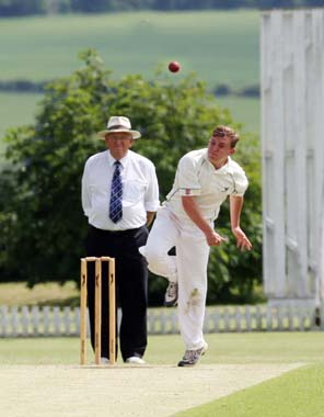 Challow v Oxford & Blechingdon Nondies - bowler Robbie Thompson